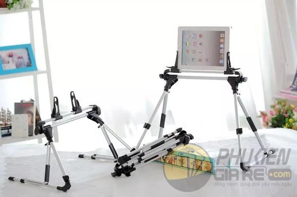 gia-do-tablet-tren-giuong-2