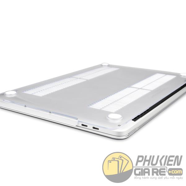 op-lung-macbook-pro-15-inch-touch-bar-2016-trong-3