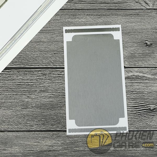 mieng-dan-skin-iphone-7-van-xuoc-phay-kim-loai-2