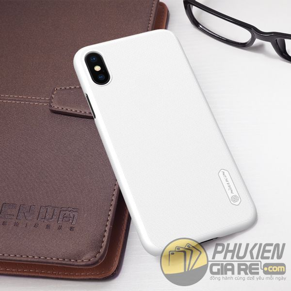 op-lung-iphone-xs-nhua-san-op-lung-iphone-xs-dep-op-lung-iphone-xs-nillkin-super-frosted-shield-7835
