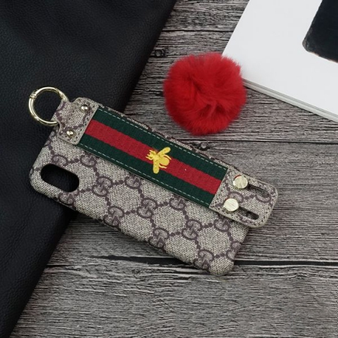 op-lung-iphone-xs-gucci-op-lung-iphone-xs-co-dai-cam-tay-op-lung-iphone-xs-cho-nu-tphcm-8031